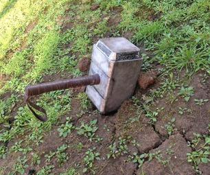 Молот Тора (Мьельнир): Значение амулета и как носить (Фото)
